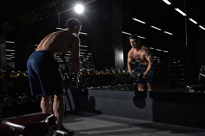 man bodybuilding exercise